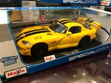 **EXCLUSIVE** Maisto 1:18 Scale Diecast Model - Dodge Viper GT2 (Yellow)