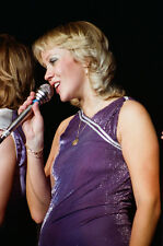 """12""""*18"""" concert photo of Agnetha of ABBA playing at Wembley in 1979"""