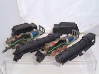 2 HO VINTAGE PLASTIC UNITED STATES AMERICAN LOCOMOTIVES MADE IN JAPAN SPARES !!