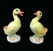 Vintage Lefton Pair Of Baby Ducklings Ducks Figurines with Label