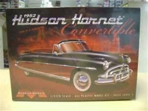 Moebius 1204 1952 Hudson Hornet Convertible model kit