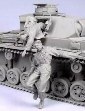 "1/35 ""Tank Escape 2"" Resin Model (2 Figures) Unassembled Unpainted (no tank)"