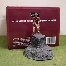 W BRITAIN BRITAINS 41135 ARTHUR PULLING SWORD FROM THE STONE