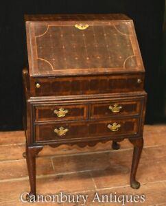 Queen Anne Bureau Desk - Oyster Walnut Antique 1720