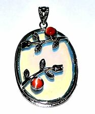 SEMI PRECIOUS OVAL MOONSTONE OPALITE PENDANT with catseye bead and flower detail