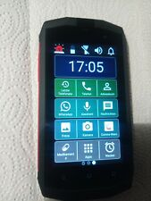 Smartphone outdoor Crosscall für Senioren geeignet eingerichtet.