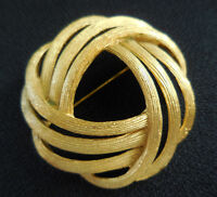 Vintage Signed Crown Trifari Round Brushed Gold Tone Brooch Pin 1 5/8 inch