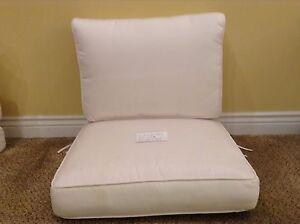 Frontgate Carlisle Outdoor Armless Modular CHAIR Patio Cushions 27x26 White