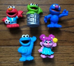 Sesame Street Toy Lot of 5 Elmo Grover Cookie Monster & More plastic toys