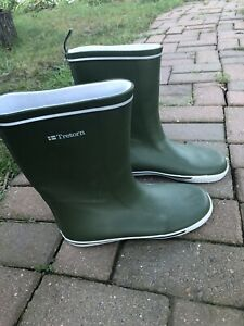 Tretorn Green Rubber Mid-Calf Pull-On Women's Rain Boots Size 40