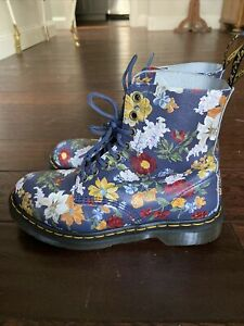 Dr. Martens 1460 Women's Leather 8 Eyelet Boots Size 8 navy Floral