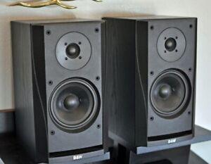 B&W Bowers & Wilkins DM302 bookshelf speakers + new speaker stands Ex Condition