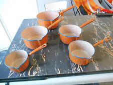 casserole lot  de 5 emaillée 50's orange et bleu  vintage pan of 5 enamelled
