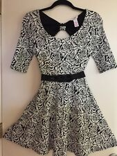 NWT Candie's Black White Textured Roses Knit Dress Misses Scoop NecK Small