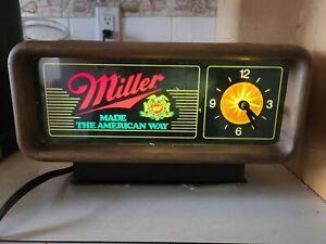VINTAGE 1980'S MILLER MADE THE AMERICAN WAY LIGHT UP CLOCK BAR MAN CAVE WORKS