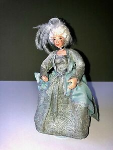 Artisan 'Mature Georgian Lady' 'Signed 'CS-C 2004' dolls house doll