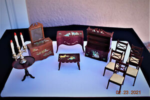 VINTAGE RENWAL DOLL FURNITURE PAINTED MOTIFS. LOT OF 11 PIECES.