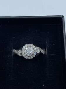 9ct White Gold & Diamond - HJ016
