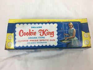 VTG Nodic Ware Deluxe Cookie King Crank Type Cookie Press Spritz Gun Box w Discs