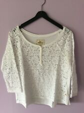 LOVELY HOLLISTER WHITE LACE TOP SIZE SMALL