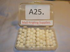 A25. Pack of 100 8mm WHITE Plastic Round Rig Beads for Sea Fishing in box