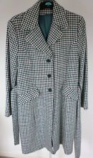 LOVELY WARM COAT GREEN/WHITE CHECK / HOUNDTOOTH DESIGN SIZE 16