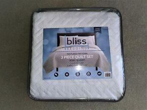 NEW BLISS BEDDING 3 PC QUILT SET TEXTURED PATTERN QUEEN