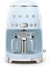 Smeg DCF02PBEU 50's Retro Style Filter-Kaffeemaschine, 10 Tassen, LED-Display