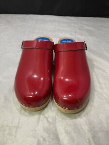 Cape Clogs Red Patent Leather Clogs Made in Sweden Women's Size 41/10