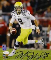 Marcus Mariota Autographed Oregon Ducks 8x10 On Field PF. Photo- JSA W Auth