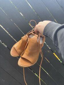 Windsor Smith - Brown Heels