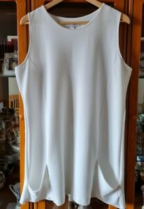 Label Be Off White Sleeveless Tunic Dress 2 Pockets And Slit At Back Size 18