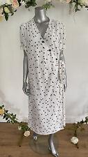 Influence Midi Dress Curve Scattered Spot Print White Size 24 EM09 Button Detail