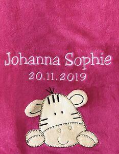 Babydecke bestickt mit Name und Datum pink mit Zebra Kuscheldecke Bettdecke Kind