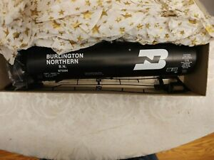 O Scale, Weaver Tank Car, Burlington Northern RR 50 Ft. New in Box, awesome