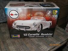 1 BRAND NEW REVELL 1/24 MODEL KIT 1953 CORVETTE ROADSTER SKILL 2