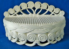 Vintage 1980 BURWOOD PRODUCTS # 2480 Ivory White Resin Plastic Wicker Wall Shelf