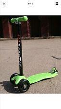 GREEN KIDS 3 WHEEL TWIST & PUSH ROLL SKATE PARK STUNT KICK SCOOTER LED WHEEL