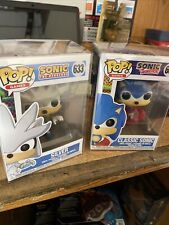 Funko Pop! Games: Sonic The Hedgehog - Classic Sonic #632 with Silver #633 New!