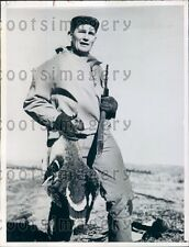 1944 WWII Marine Ace Pilot Hunter With His Game Klamath Falls OR Press Photo
