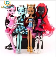 """IDEA REGALO"" SET LOTTO STOCK BARBIE BAMBOLE MOSTRO MONSTER ULTIMA MODA"