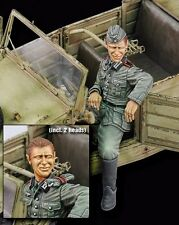 Royal Model 1/35 German Kubelwagen Crew Driver WWII (with Optional Head) 608