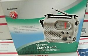 Radio Shack 20-238 Emergency Crank Radio Flashlight Generator powered USB Rechar