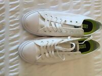 converse brand ne never been worn size 9 all white