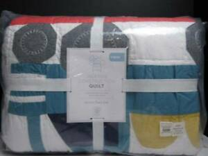 Pottery Barn kids Jax Construction Twin Quilt, Multi-Colored! Nwt.
