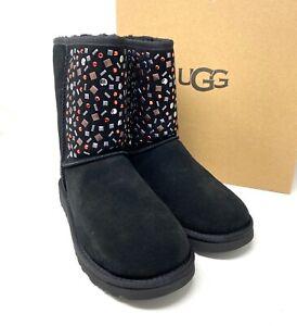 UGG Classic Short Stud WMNS Boots Suede Fur Black 1119102-BLK