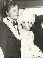 jack lord & frau marie de narde orig. foto von omnia press 1972-at emmy awards