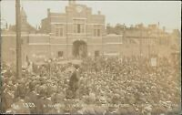 Woolwich, London. Dinner time crowd,  Beresford Square.   BG.363