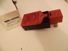 TELEMECANIQUE XCS tr751 017724 Safety switch Hinge