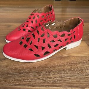ISABELLA ROSSI PERFORATED RED LEATHER SUMMER SLIP ON SHOES SZ 38 COMFORT ZIP